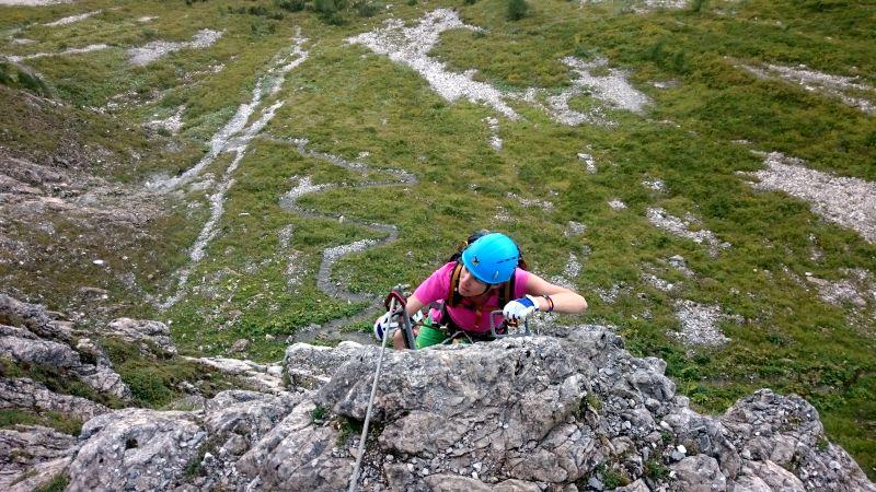 Klettersteig Gerlossteinwand : T sz zwei frauen mittels tau aus klettersteig gerlossteinwand