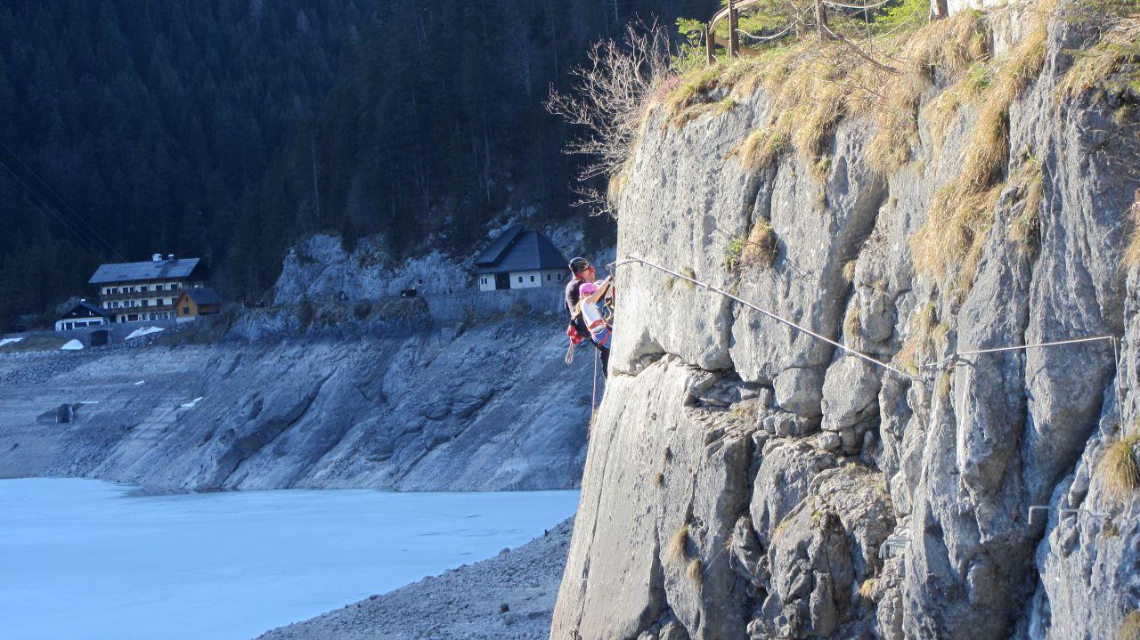 Laserer Alpin Klettersteig : Laserer alpin klettersteig am gosausee 31.03.2017 alpenverein