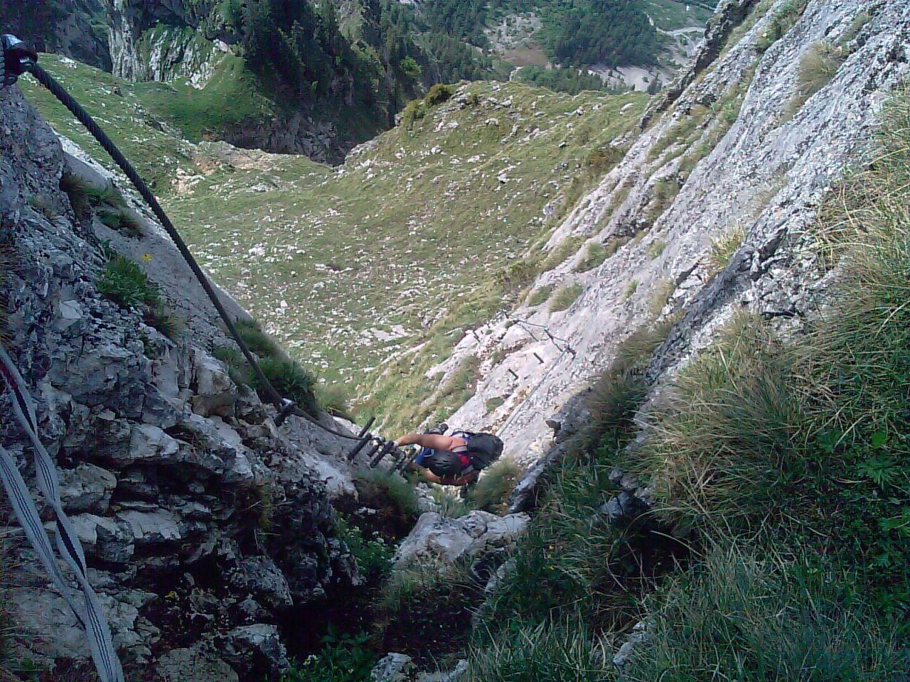 Klettersteig Eisenerz : Leichtsinn klettersteig war gesperrt hubschrauber musste männer