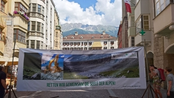 Foto-Aktion in Innsbruck (Alpenverein/MM)