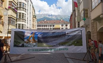 Foto-Aktion in Innsbruck (Foto: Alpenverein)