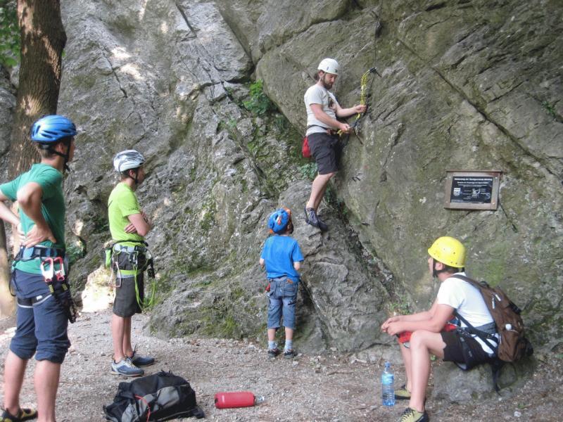 Mödlinger Klettersteig : Klettersteig kurs der av jugend alpenverein
