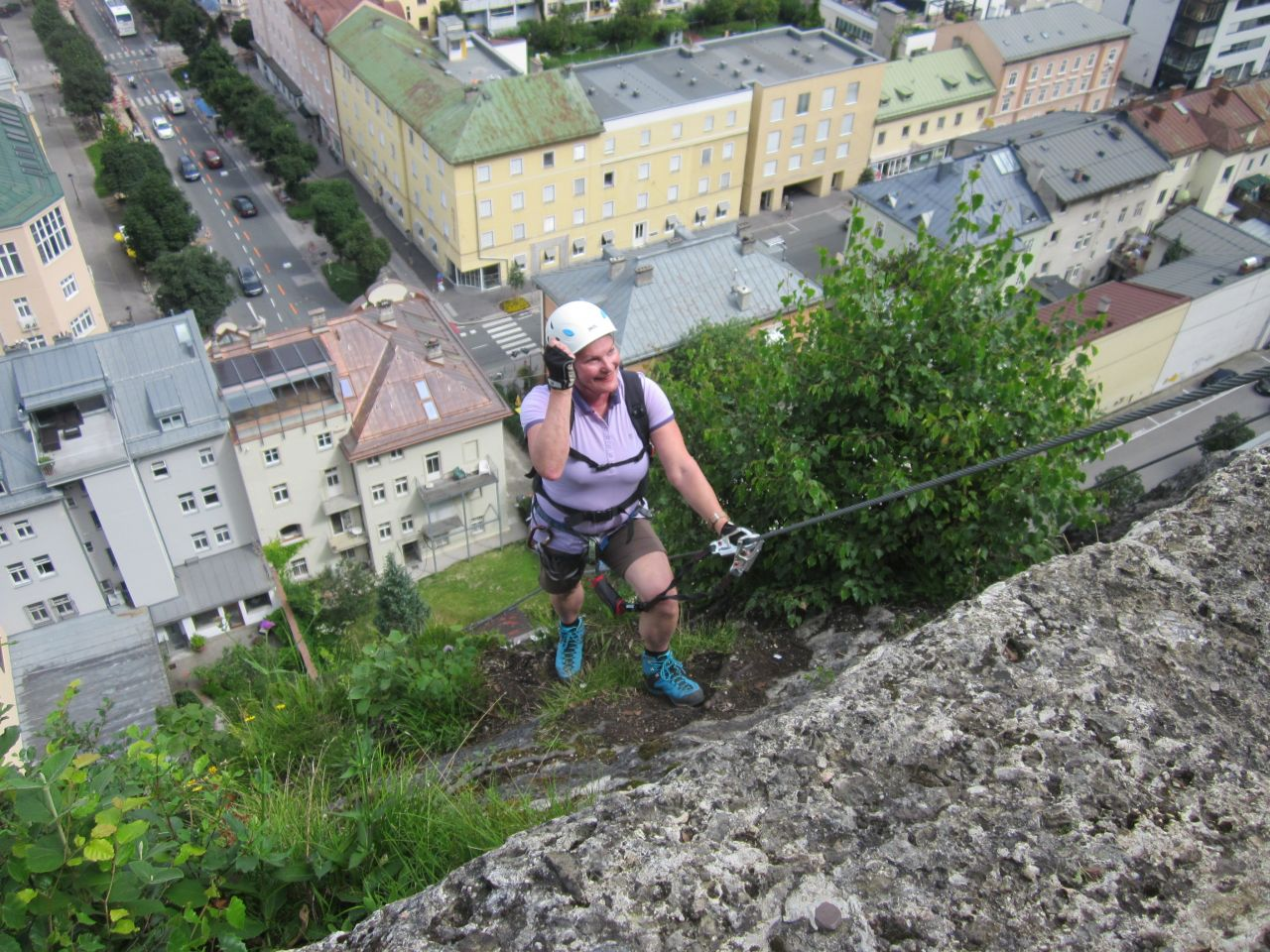 Klettersteigset Verleih Salzburg : City wall klettersteig alpenverein
